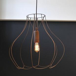 Szkieletowa lampa na kablu w oplocie